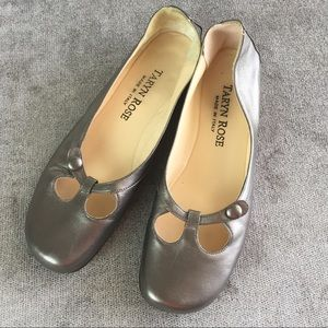 Taryn Rose Gold Leather Flats Size 38 Italy